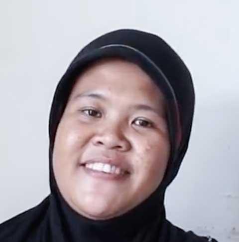- Dita, 30 Tahun, Bandung -